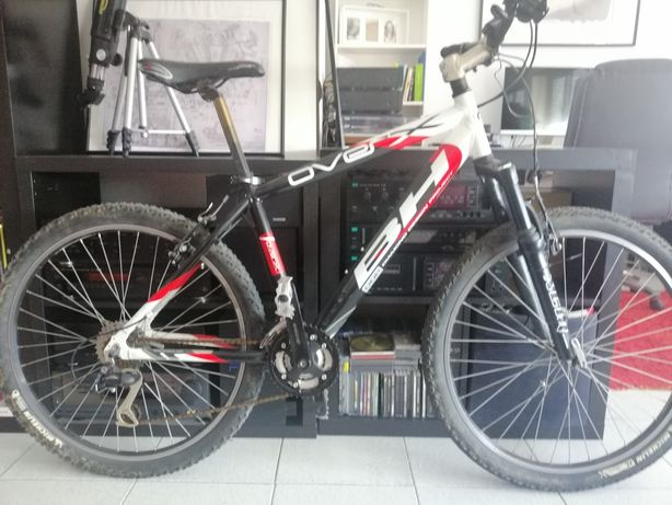 Bicicleta montanha BH