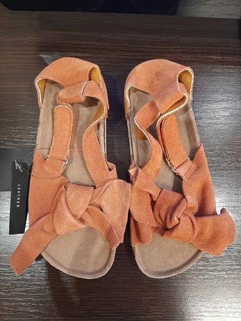 Новые кожаные босоножки на девочку Reserved 31  p