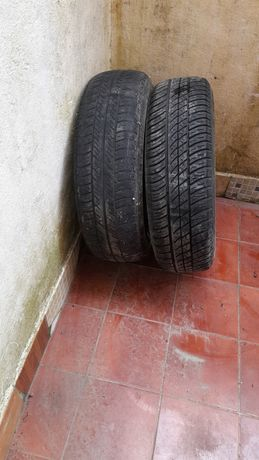 Jantes de ferro com pneus