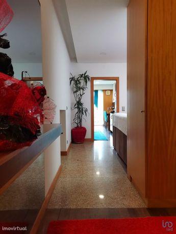 Moradia - 353 m² - T3