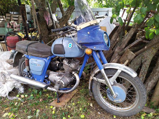 Продам два мотоцикла ИЖ Планета 3.