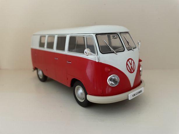 """Volkswagen Van """" Pao de forma """" escala 1/24 em metal."""