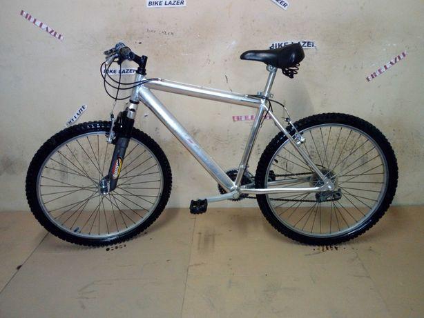 Bicicleta Alumínio R26 Com Suspensão Frontal Como Nova Barata