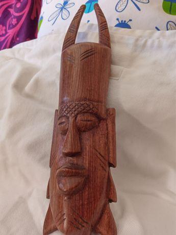 Esculturas em madeira  pau santo da África do Sul