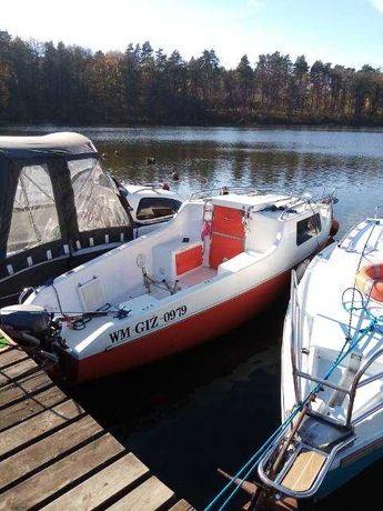 Sprzedam kabinową łódź wędkarską