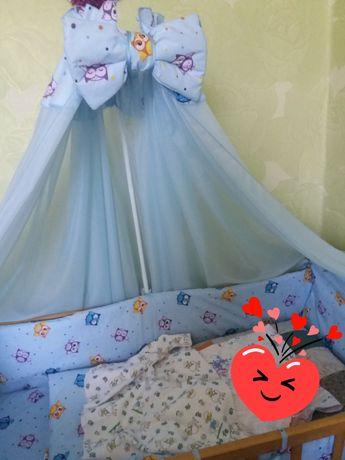 Защита в кроватку и балдохин с держателем