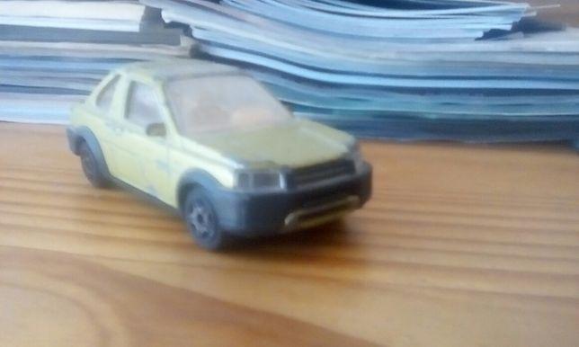 Vendo Land Rover Freelander em réplica!