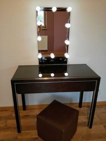Toaletka kosmetyczna drewniana z lustrem oświetleniem regulowanym