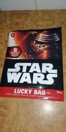 Zestaw Star Wars puzzle naklejki i inne