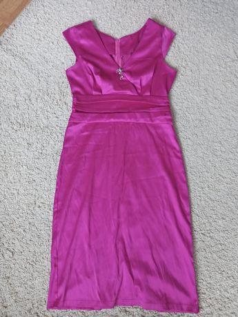 Satynowa różowa sukienka midi rozmiar M (38)
