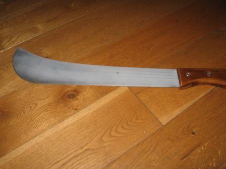 nóż, maczeta
