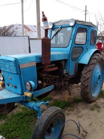 продам трактор т 40 в хорошем состоянии, заводится со стартера, все ра