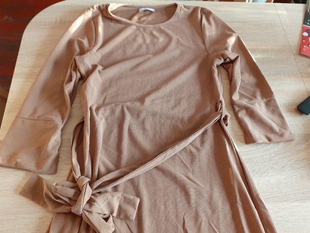 Sukienka z paskiem 40