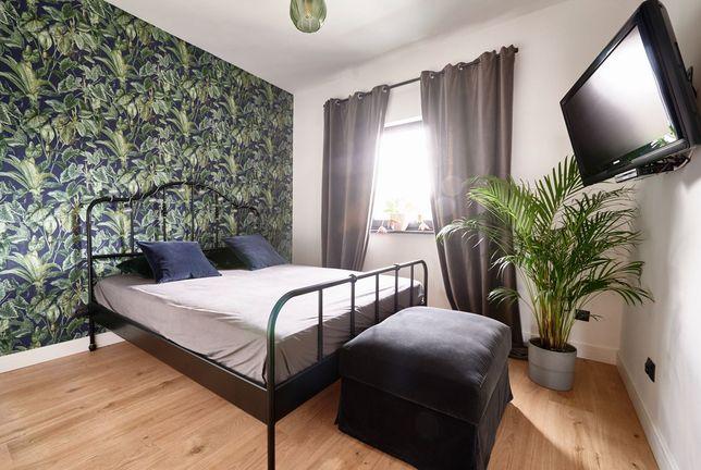 Łóżko Metalowe ze stali lakierowanej do sypialni z Materacem Jak nowe!