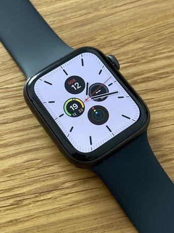 Apple Watch SE Space Grey 44mm + Spiegen