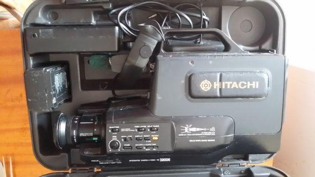 Kamera VHS HITACHI VM-3200E +case Rewa