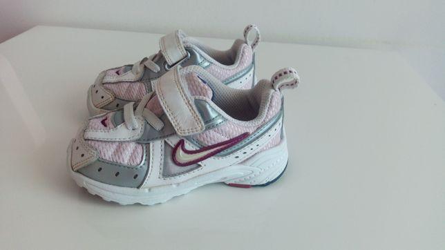 Buty adidasy Nike dla dziewczynki 21