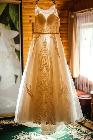 Весільна сукня ,можливий торг!