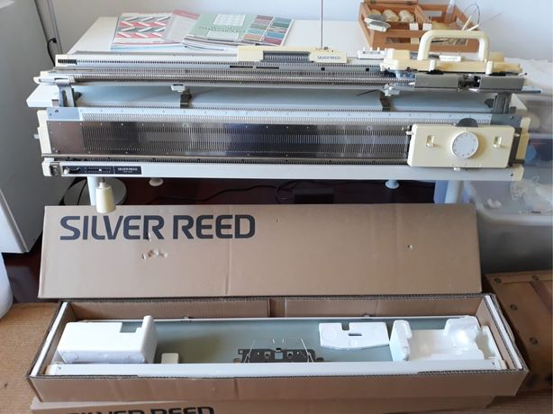 "Maquina de tricot ""Silver Reed"""