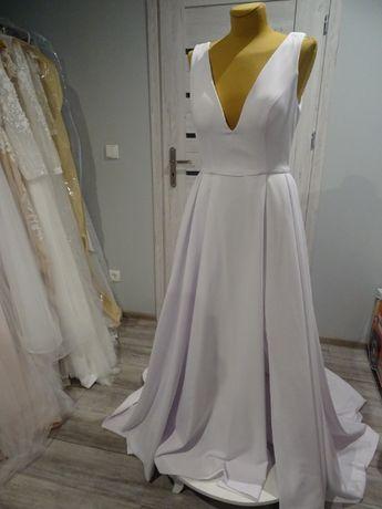 nowa klasyczna elegancka prosta suknia ślubna dekolt V r. 36/38
