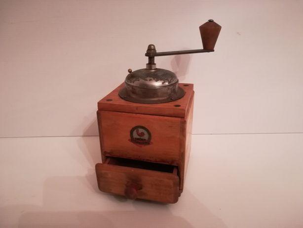 Moinho de café C. AUGUST