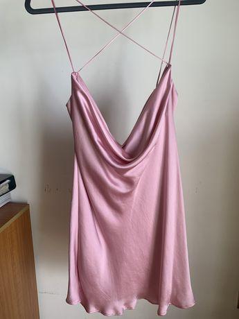 Vestido acetinado Zara