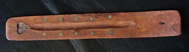Queimador de incenso em madeira