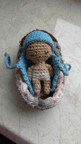 Малыш в колыбельке