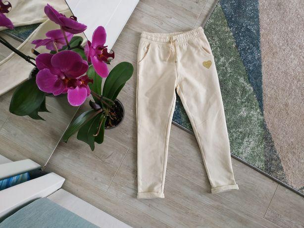 Спортивные штаны на девочку 116 см. OVS
