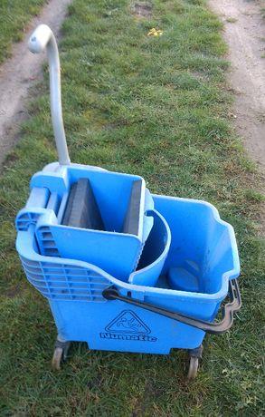 Wózek serwisowy Numatic do sprzątania