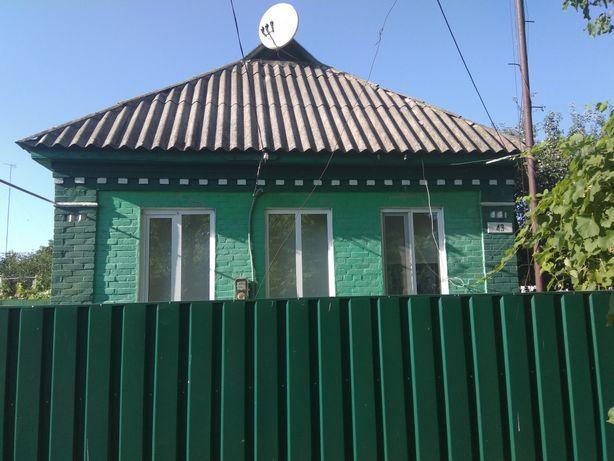 Продам будинок у гарному стані в м. Гребінка.