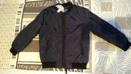 Продам новую из Англии на мальчика деми куртку George 7-8 лет, рост122