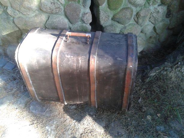 stary kufer podróżny skrzynia posagowa wykopek strychowy vintage deco