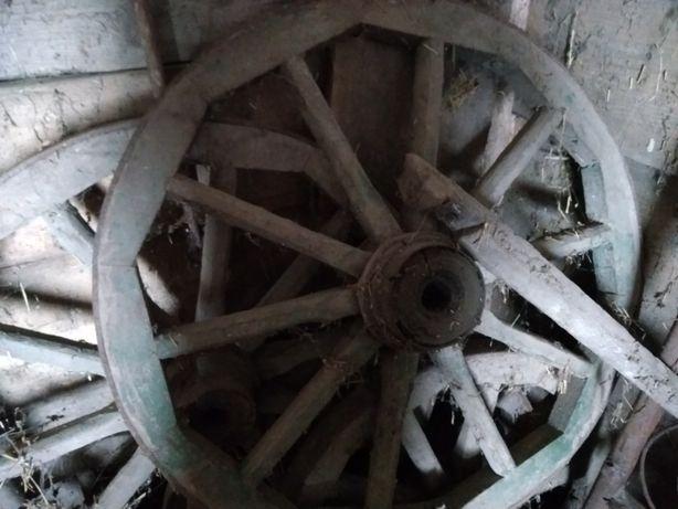 деревяні колеса декор