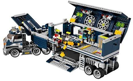 Zestaw LEGO Agents 8635 Mobilne Centrum Dowodzenia Ciężarówka