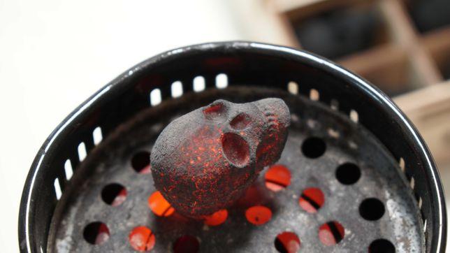 Уголь череп для кальяна