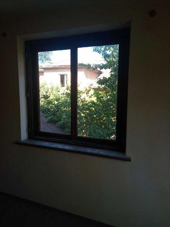 Вікна дерев'яні подвійні з трьома завісами бу в хорошомі стані двері.