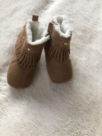 Теплые новые пинетки-ботиночки 3-6 мес
