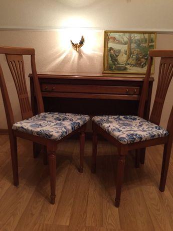Стол и стулья Италия