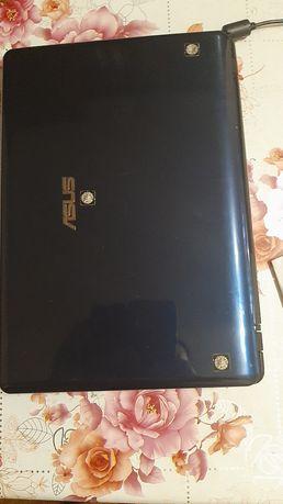 Продам ноутбук Б/У рабочий. Маленький. 12.1 дюймов. ASUS.  Работает от