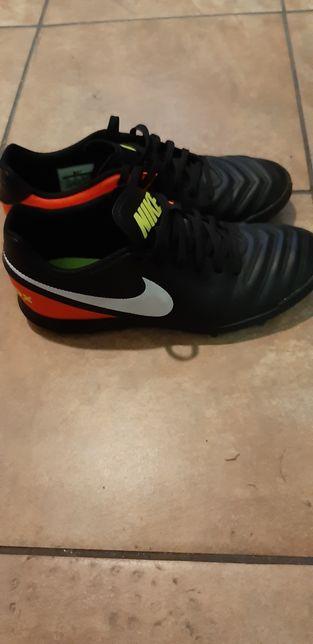 Buty sportowe do gry Nike roz 39