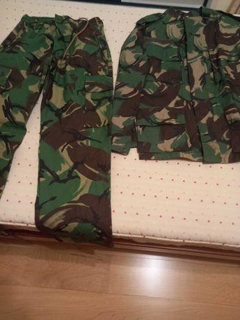 Camuflado novo, tamanho (Calça 41) casaco L
