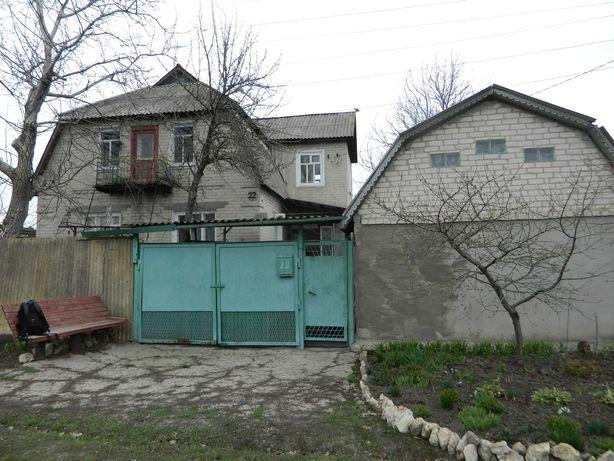 Продается 2 этажный дом на поселке Березово