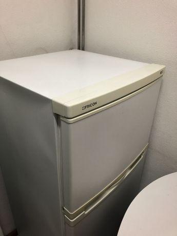Frigorífico c/congelador duas portas p/peças