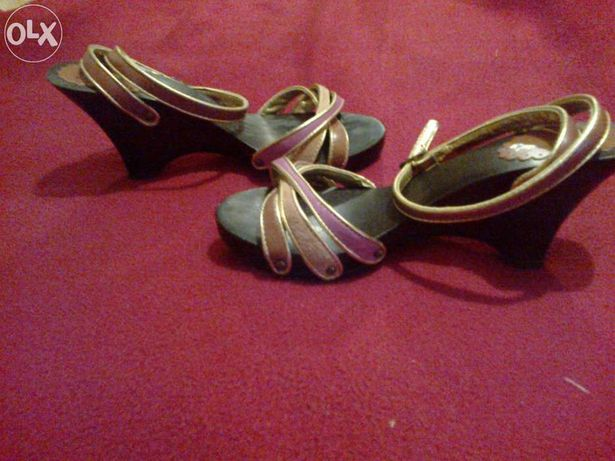 Sandálias de cunha da Stradivarius, nº36