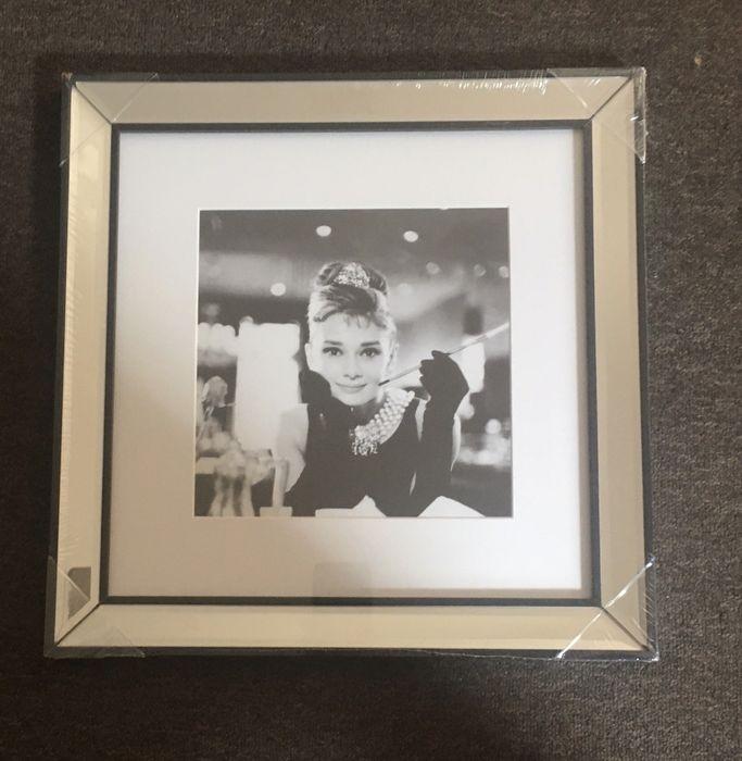 Audrey Hepburn obraz lustrzana rama glamour czarno biały nowy Warszawa - image 1