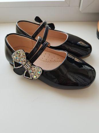 Лаковые туфли для девочки 29 размер