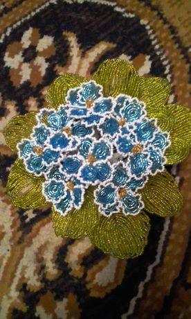 Цветы из бисера ручной работы