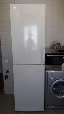 Холодильник Liebherr , Либхер 2 м.