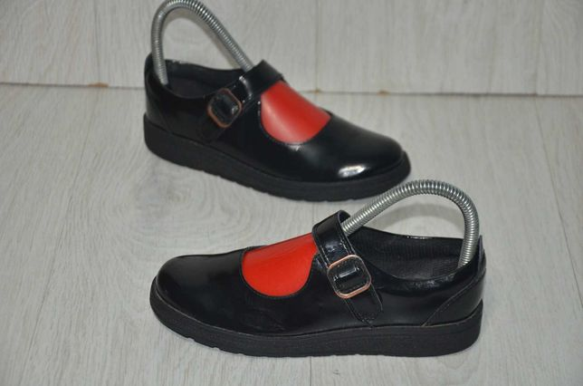Продам туфельки Clarks.